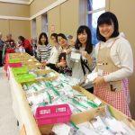 【ボランティア活動報告】12月:Holiday Bazaar!!